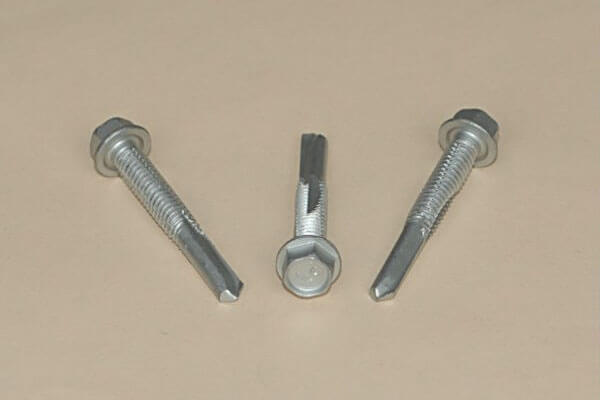 NICKEL PLATED FLAT HEAD RS NAIL